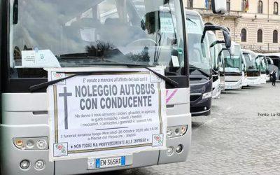 """La Stampa: Nasce il progetto """"Sistema Trasporti"""" per Ncc e bus turistici"""